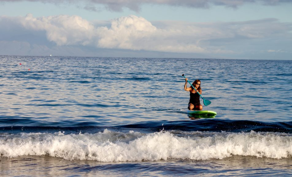 Women's Beginner Stand Up Paddle Board Session